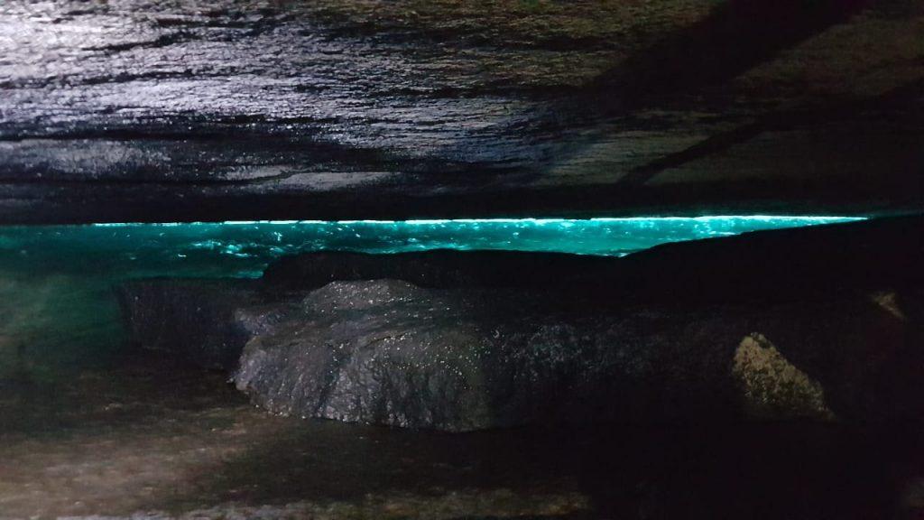 gruta-do-acaia-ilha-grande